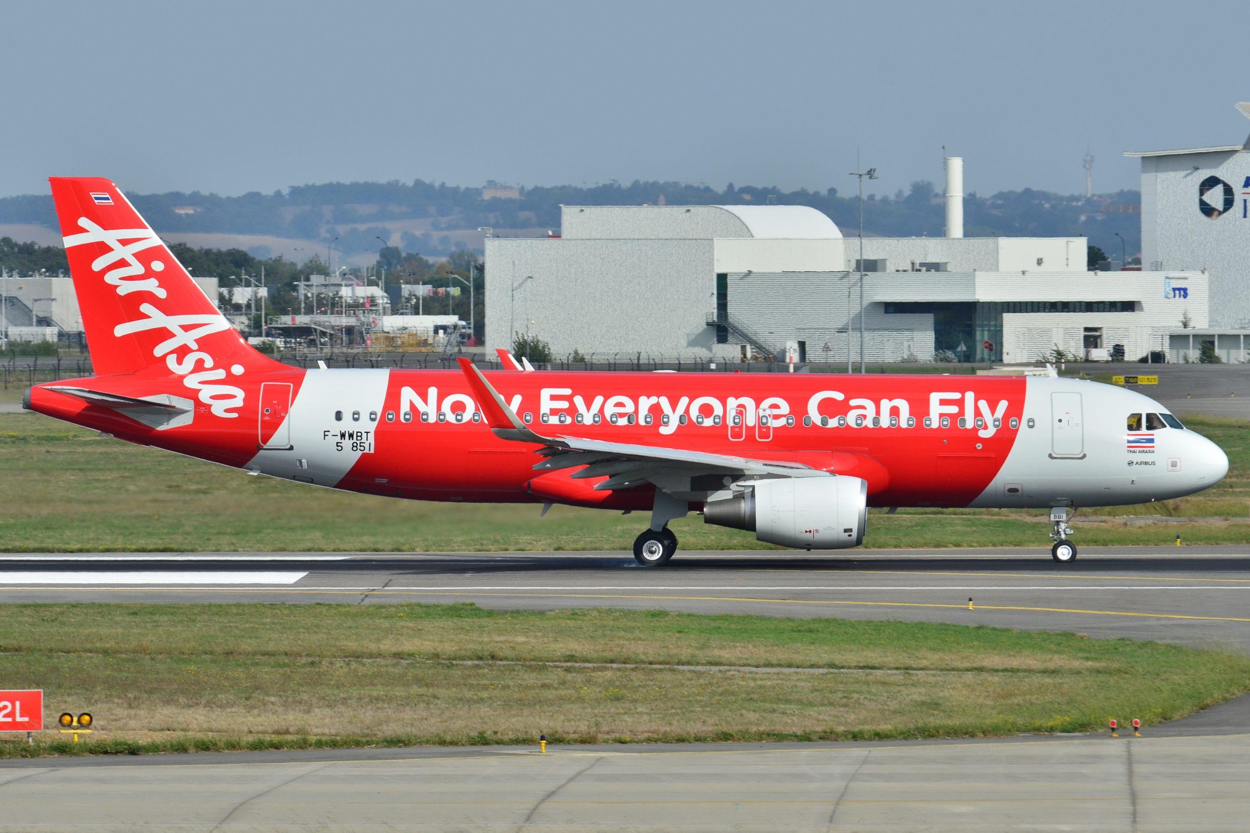 Thai-AirAsia-reia-zborurile-1-mai-2020