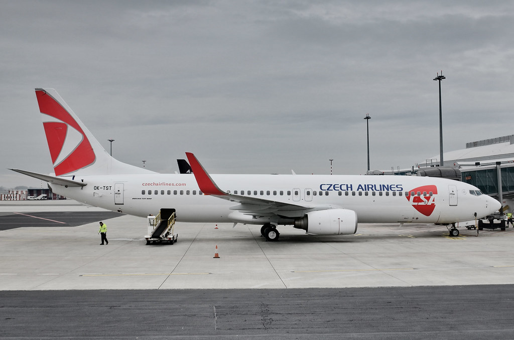 praga-bucuresti-Boeing-737-800-Czech-Airlines