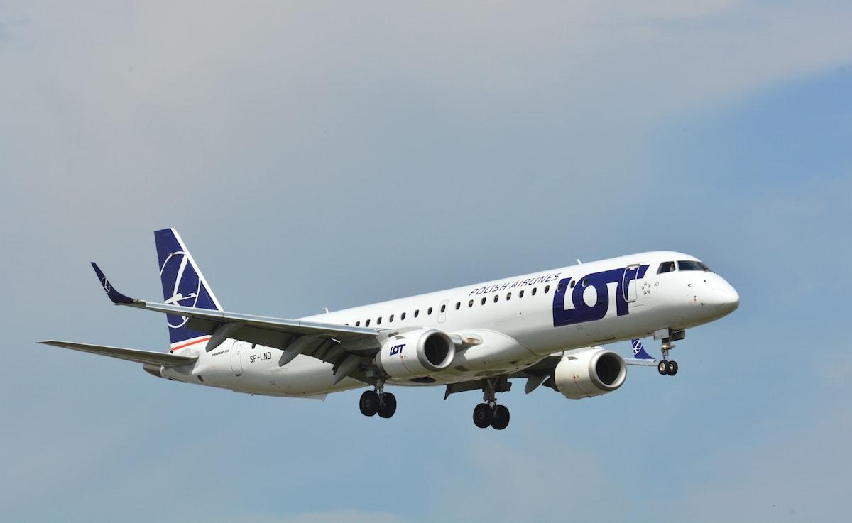 bucuresti-varsovia-lot-polis-airlines-iulie-2020